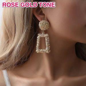 ⚜️[𝟯/$𝟮𝟴]⚜️Oversized Rose Quad Earrings New